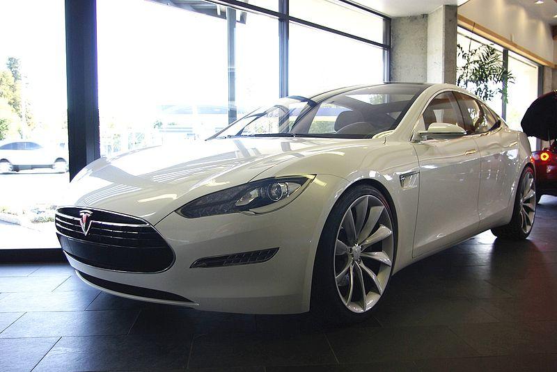 800px-TeslaModelSsedan