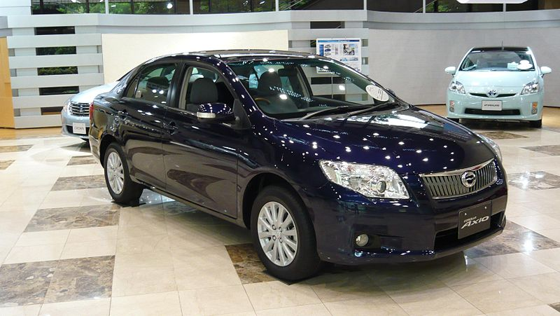 800px-Toyota_Corolla_Axio_0901