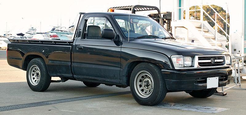800px-Toyota_Hilux_N140_003