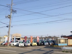 How many car shop in Japan ?