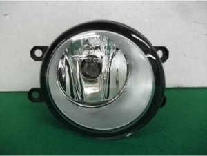160803Corolla Fielder ZRE142_Fog light RH 01 (1)
