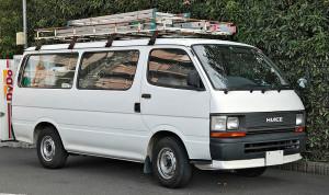 800px-Toyota_Hiace_100_long_van_001