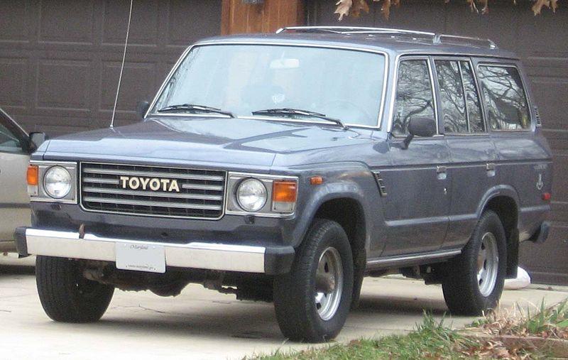 800px-Toyota_Land_Cruiser