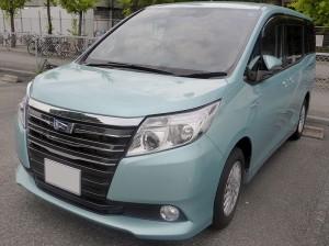 Toyota_NOAH_HYBRID_G_(ZWR80G)_front (1)