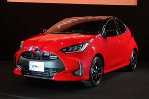 "Toyota unveils the new ""Yaris"", a new ""Vitz"""